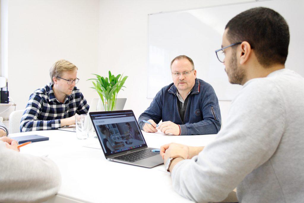 it-beratung aus stuttgart, incedo services spezialist in softwareentwicklung, it-consulting und projektmanagment remote oder beim kunden vor ort, deutschlandweit und internationales unternehmen